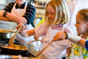 kids learning how to cook